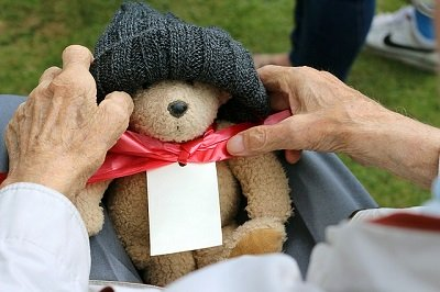 www.dementia-devotion.com Be a dementia patient's best friend
